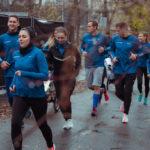 A futás olyan kapocs, ahol az egészséges és a beteg közös élményt tapasztal meg, s a speciális futóbabakocsik biztonságos módon teszik ezt lehetővé.